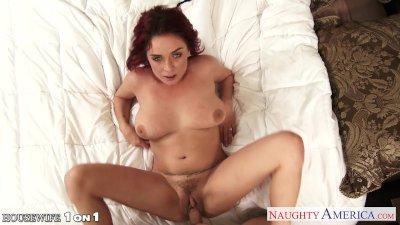 Redhead housewife Ashlee Graha