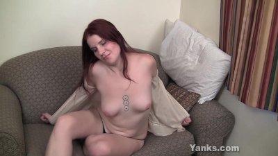 Beauty Amateur Sophia Fingering Her Pussy