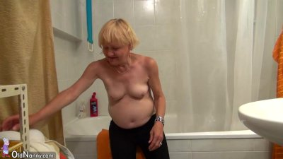 Sexy young Girl masturbate with Granny together, granny likes young