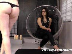 Mistress rewards her with golden showers
