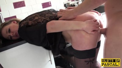 Brit sub cumswallowing maledoms load