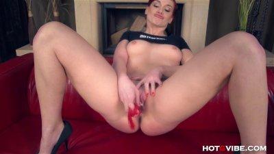 Big Ass Redhead Pummels her Pussy