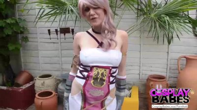 Cosplay babes final fantasy babe cums solo