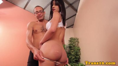 Petite amateur latina tranny pounded on couch