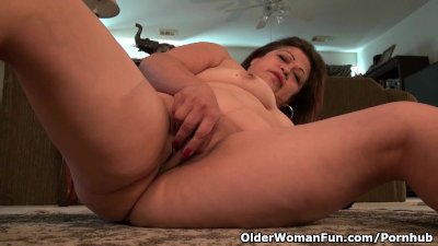 Granny Kay fulfills her overwhelming sexual desire