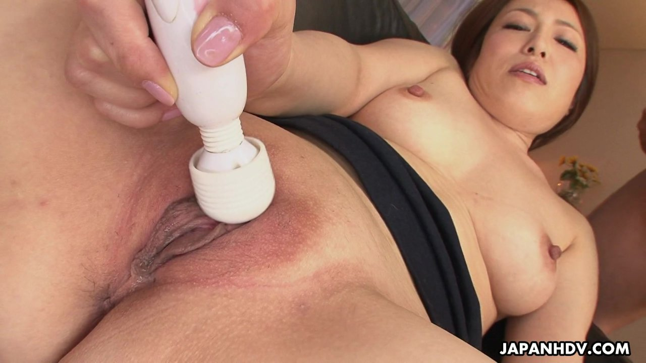 Asian sluts masturbating