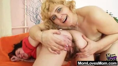 Extremely unshaven amateur milf Hedvika lesbian action