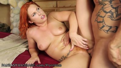Curvy Redhead Massages Clients