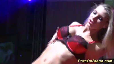 babe fisting herself on public stage