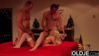 Hot Teen Blowjob Cumshot Compilation - Young girl sucking old man dick