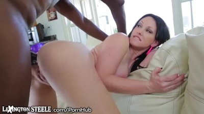 Lex Steeles Foot Long Cock in Jennifers Ass!