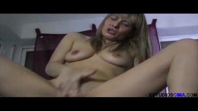 Spanish Milf eats Teen pussy