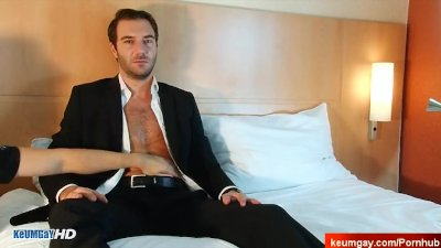 Yano innocent straight banker serviced his big cock by a guy!