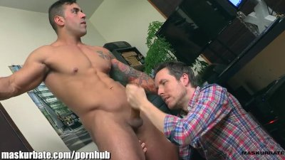 Maskurbate Office Suck With Muscled Hunk
