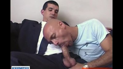 Gyome suited straight guy gets sucked by a guy !