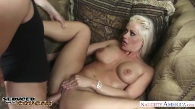 Cougar Holly Heart seduces and fucks a young buck - Naughty America