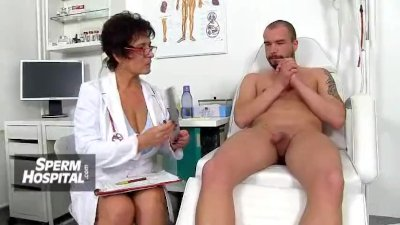 Czech amateur beauty Emma sucking fat dick then fuck