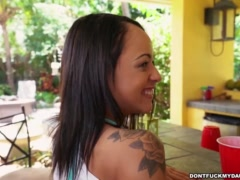 Holly Hendrix Has Some Fun With Her Dad\'s Friend (dfmd15108)