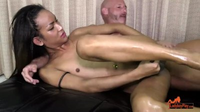 LadyboyPlay - Ladyboy Iceland Oil Massage